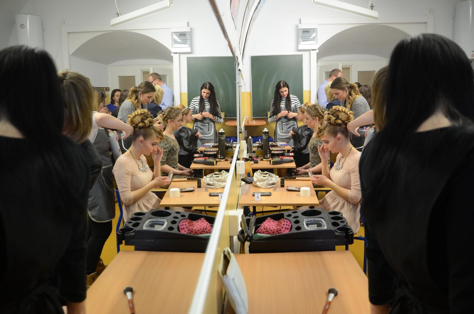 Technik usług fryzjerskich | Technikum Nr 1 w Zamościu